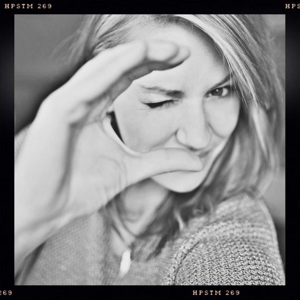 Stacy Ideus: photographer, blogger, hottie.