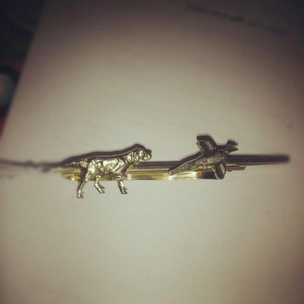 vintage brass tie clip with dog and pheasant